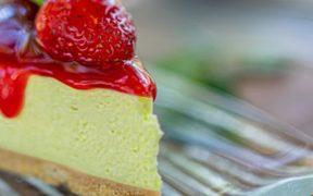 tarta de fresa cannábica o con marihuana